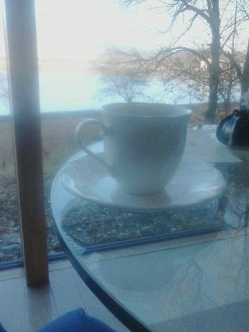 窓とカフェ