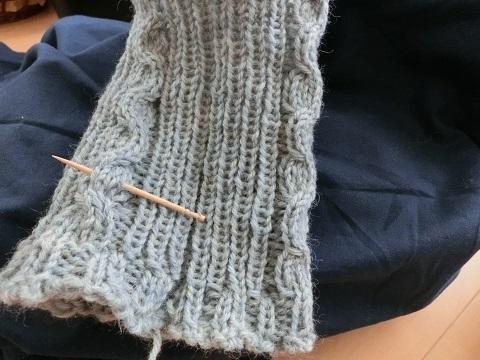 ワンピと編み物.jpg